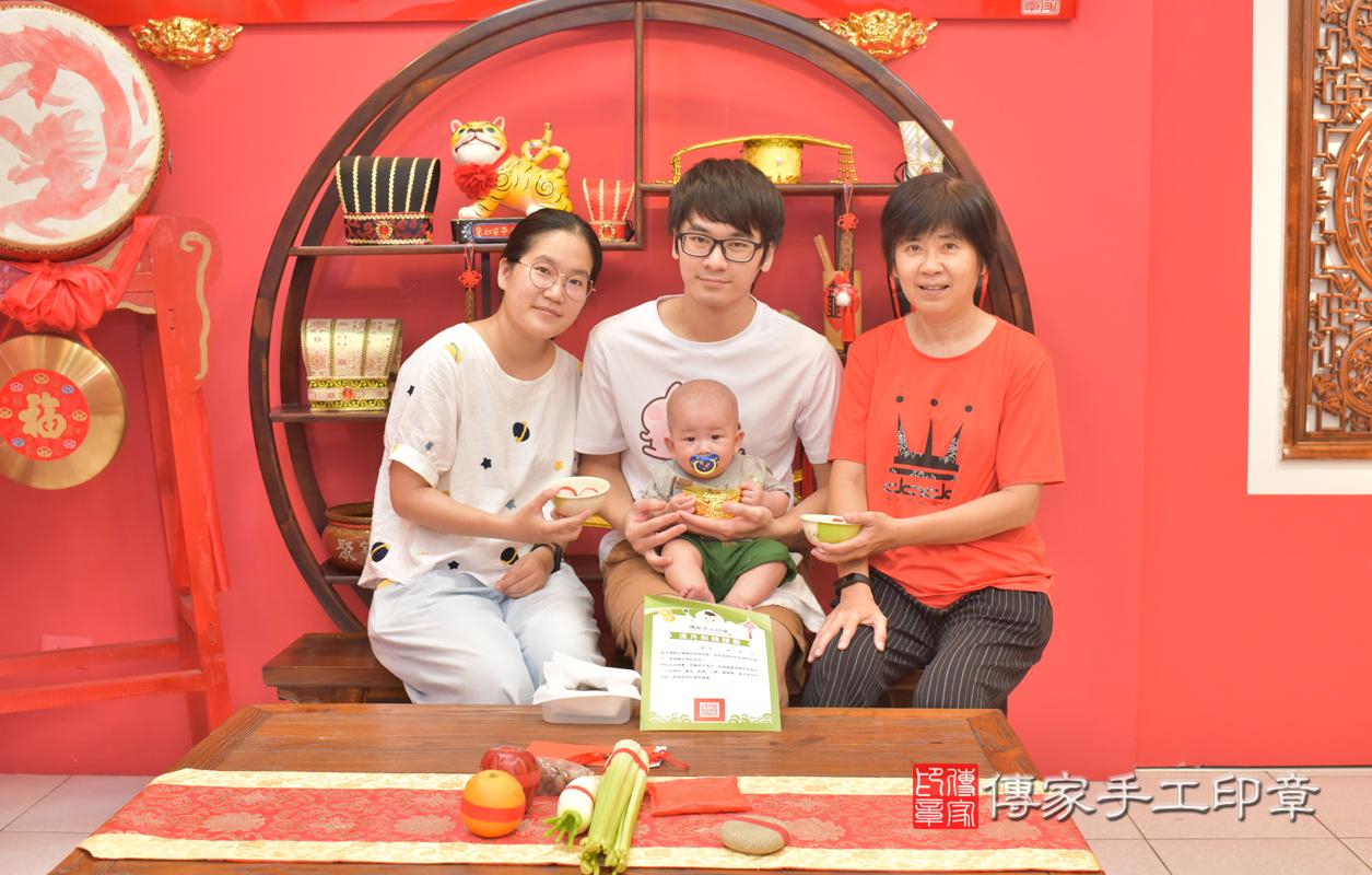 楊寶寶(台中市嬰兒寶寶滿月剃頭理髮、嬰兒剃胎毛儀式吉祥話)。中國風 .....照:8