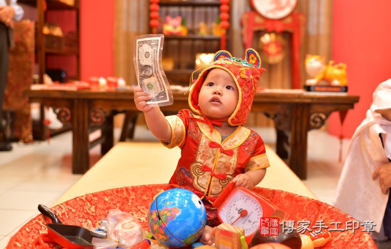 鳳山區陳寶寶古禮抓周:周歲抓周活動和儀式,一切圓滿。照片1