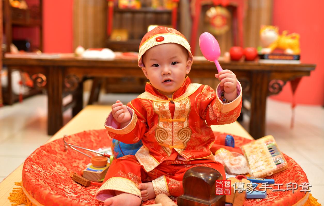 高雄市鳳山區洪寶寶古禮抓周祝福活動。照片1