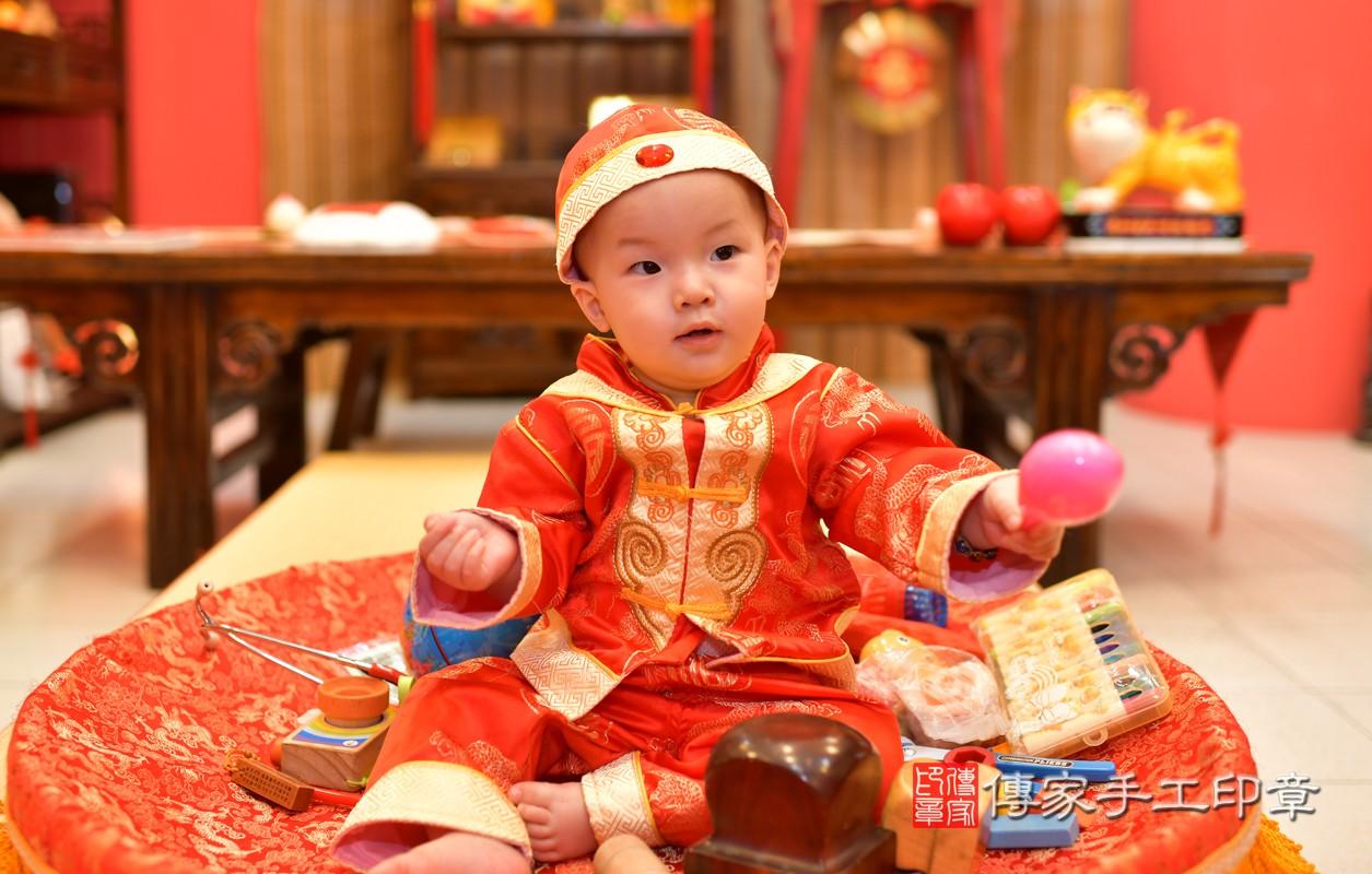 鳳山區洪寶寶古禮抓周:周歲抓周活動和儀式,一切圓滿。照片2