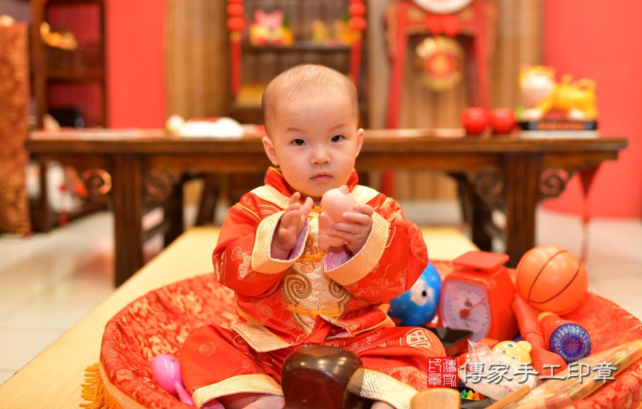 鳳山區洪寶寶古禮抓周:周歲抓周活動和儀式,一切圓滿。照片3