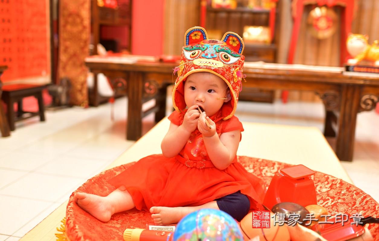 鳳山區莊寶寶古禮抓周:周歲抓周活動和儀式,一切圓滿。照片13