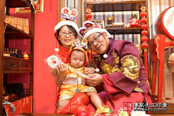 鳳山區賴寶寶古禮抓周:抓周儀式【吃米香】。照片19