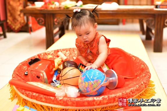 鳳山區魏寶寶古禮抓周:周歲抓周活動和儀式,一切圓滿。照片30