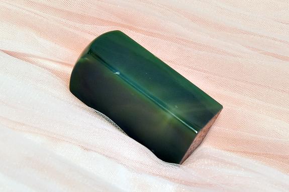 全手工噴砂印章:綠瑪瑙公司大小印章實際成品、綠瑪瑙印章材質介紹。(公司章、公司印章、負責人印章,一圓一方)傳家印章新竹店。2019.12.10圖片1